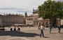 im Hintergrund le Petit Palais