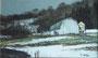 残雪と牧舎 M6