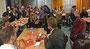 Mit Freunden, Eltern und dem Ausbildungskollegium feierten die Referendare ihre bestandenen Prüfungen. Foto: Ulrichs