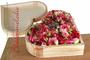 """hölzernes Ringkissen """"Herz"""" mit Frischblumen / SMITHERS-OASIS COMPANY Floral Foam. All rights reserved."""