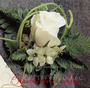"""Anstecker """"Rose"""" für den Bräutigam / SMITHERS-OASIS COMPANY Floral Foam. All rights reserved."""