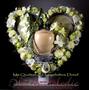 Blütenherz groß mit Einsatz für Foto oder Urne / SMITHERS-OASIS Company Floral Foam. All rights reserved.