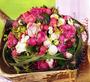 Blütenkugel in der Kokosschale für den Brautthron