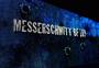 gamescom 2012  | In riesigen, leicht 'mitgenommenen' Buchstaben hoch über den Köpfen der Besucher ...