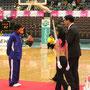 リーグ3位/チームを代表して小畑選手がプレートを受け取りました。