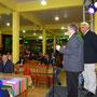 Boas vindas de Notari aos convidados no Restaurante Pavin