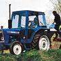 Ford 4100 Traktor mit Kabine (Quelle: CNH)
