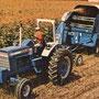 Ford 8000 Traktor mit  Überrollbügel(Quelle: CNH)