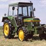 John Deere 2130 im Design nach 1975 (Quelle: Classic Tractor Magazine)