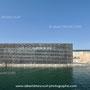 le J4, au MuCEM à Marseille, relié au fort St Jean par une passerelle, architecte Rudy Riciotti