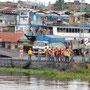 Iquitos - Hafen beim Ablegen