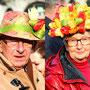 Und mit Tulpen geschmückte Menschen...