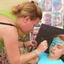 Doris Renner - sunny faces 'verzaubert' die Kinder
