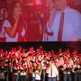 "Duett Lea, Marcus, Chor und Band: ""Somebody to love""  Foto: Stephan Drewianka; www.musical-world.de"