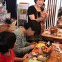 2012年5月3日。絵本カフェholo holoさんで大阪で初めてのワークショップに花ちゃんも参加。