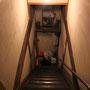 隠し階段を敵の忍者が駆け上ってきた!