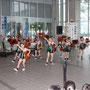 オープニングを飾るのは、「南大阪バトン 貝塚バトンクラブ」の皆さん。