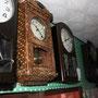 昔なつかしの柱時計も健在です。