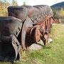 Godets de métal au Ranch Du Massif du Sud_Drague de Saint-Simon-les-mines sur la rivière Gilbert, Québec, Canada