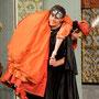 """Als """"Caramello"""" in """"Eine Nacht in Venedig"""", hier mit P. Halper-König als """"Annina""""; Foto © Peter Kainrath"""