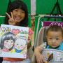 にこまるHPにコメントを頂いたご家族の一枚◎お子さん2人とお母さんがいらしてくださいました! ご実家が福井県でいらっしゃるそうでそこで紙漉きをおススメしてもらいました(^^) 簡単にいうと和紙を作ったりすることです◎ゆずきちゃんも作っていたそうです◎ ぜひ、行ってやってみたいです!【みやじまIKKOU 2013.8.17】