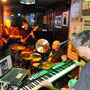 The Sol Surfers live im Piano