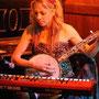 Melanie Dekker live im Piano