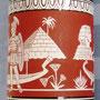 Botella con forma de ánfora panatenaica estilizada - pirámide y bote de baldaquín