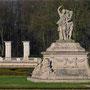 Die größteSkulptur mitten auf der Venusinsel vom Schloss Nordkirchen