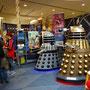 Comicon Toronto: Doctor Who ist nicht zu sehen, seine Gegenspieler sind aber schon da.