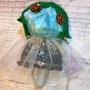 錬金術師の写真が下手だからわかり伝いけど、きらきらの蝶々柄のお洋服だよ。
