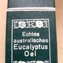 箱のデザインが素敵!言語はドイツ語かな。精油はオーストラリアゆえユーカリか。