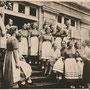 Klycken, Clicken, Klicken - Kljukwennoje, Ostpreussen - Russland, Kaliningrad (1939), Eingang mit BDM-Frauen