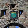 Ruine Burg Oberpahlen - Poltsamaa, Livland, Estland (2016), Wappen über dem Tor