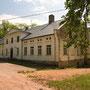 Backhusen bei Wiebingen - Bakuzi in Vibini, Kurland - Lettland (2019), Auffahrtseite