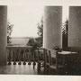 Cholomki, Kholomki - Pskow, Pleskau, Pskov - Russland (1944), Blick von Balkon in den Park