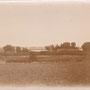 Blick von Herrenhaus auf Wirtschaftsgebäude Astaschowa - Astasova, Witebsk, Lettland (1908)