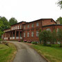 Herrenhaus Quellenstein - Allikukivi, Hallikukiwi, Livland - Estland (2018), Auffahrtseite