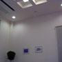 天井が高い待合室