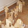 Holzskulpturen roh
