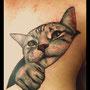 タトゥー 猫 胸 かわいい