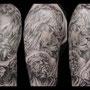 タトゥー B&G ライオン 彫像