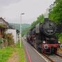 52 8095 mit dem Interieur-Express am 25.06.2005 im Bahnhof Heimbach (Eifel) I