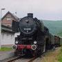 52 8095 mit dem Interieur-Express am 25.06.2005 im Bahnhof Heimbach (Eifel) II