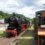 Vorbei an Lok 1 der ehemaligen Binsfelder Kleinbahn geht es in Richtung Bahnhof