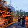 Achse für Achse wird die Lok verwogen - Foto: Marcus Henschel