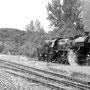 Die 52 wartet unterdessen auf die Rückkunft des Zuges, um dann mit nach Gerolstein geschleppt zu werden - Foto: Sebastian Petermann I
