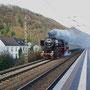 Im Gefälle rollt der Zug hinab nach Trier-Ehrang  - Foto: Achim Müller