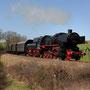 Zwischen Darscheid und Utzerath hat die 52 mit dem Zug leichtes Spiel - Foto: Hanspeter Reschinger