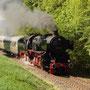 Der erste Zug nach Hellenthal bei der Ausfahrt Kall